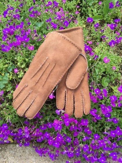 Ladies Luxurious High Quality Genuine Sheepskin Gloves - Lifestyle 1