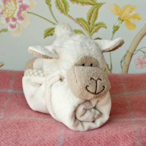 Jomanda Super Soft Toy Soother Blanket - Sheep - Lifestyle 2